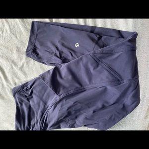 Lululemon Navy 3/4 yoga pants size 8